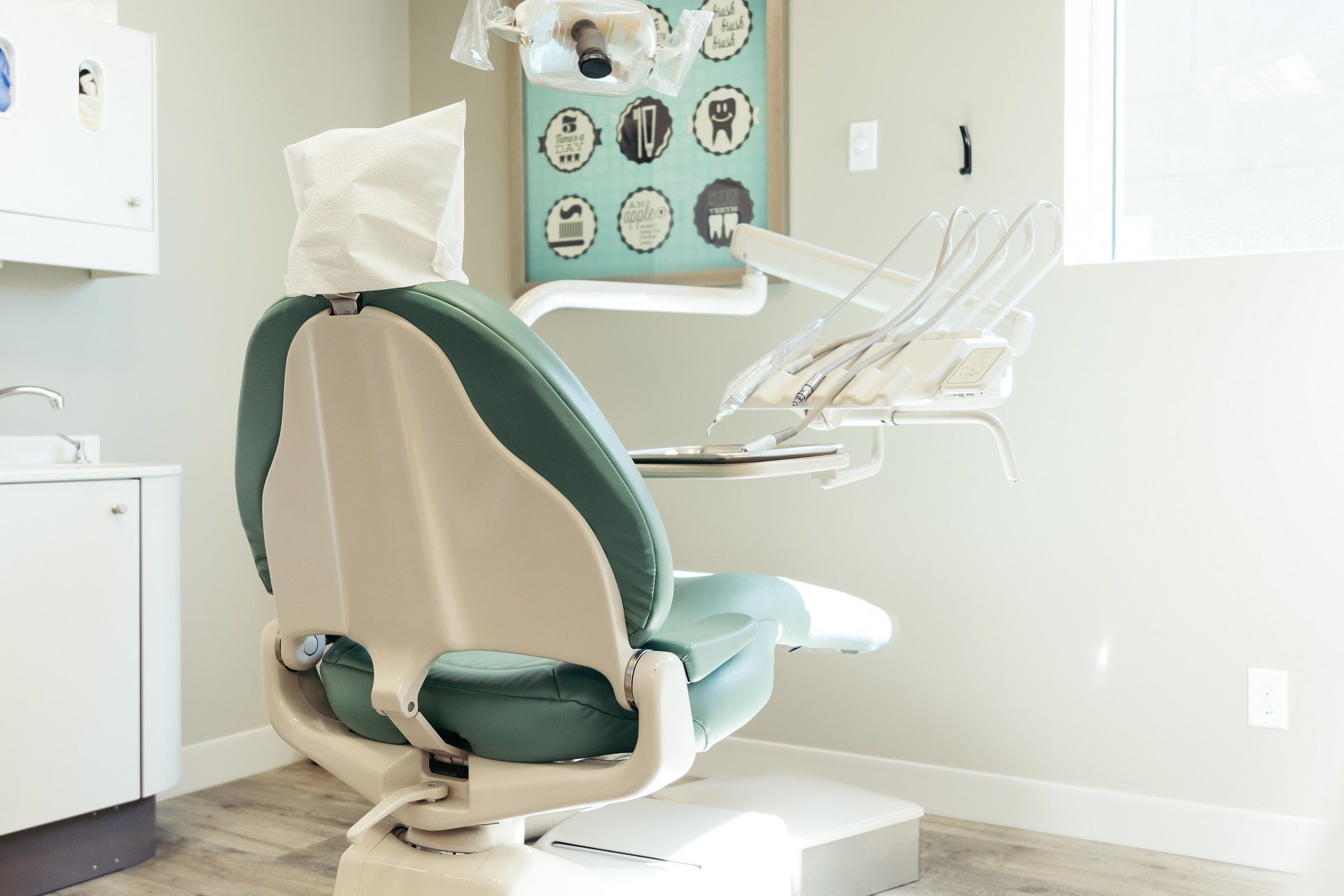 dental-chair-stop-tooth-decay-New-Look-Dental-West-Kelowna-20